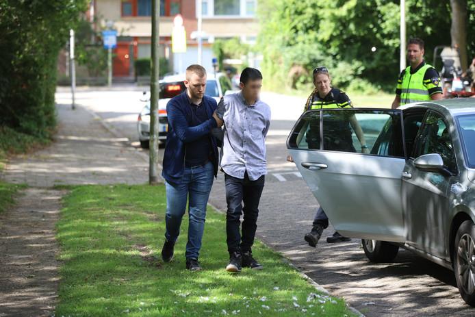 Een van de twee aangehouden personen in Delft na wilde politieachtervolging