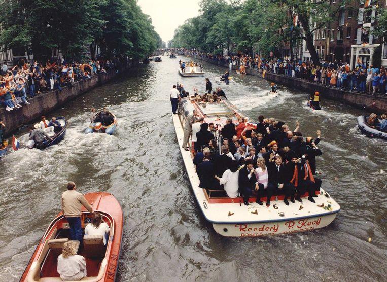 De huldiging van het Nederlands elftal in Amsterdam na de overwinning op het EK in 1988. Beeld ANP
