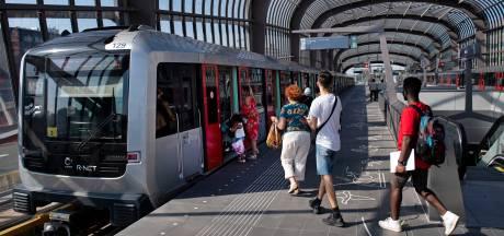 GVB zet minder metro's in, aantal reizigers met 60 procent gedaald
