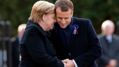 Macron en Merkel onthullen gedenkplaat WOI. Ook Trump ontvangen in Parijs na eerdere uithaal op Twitter