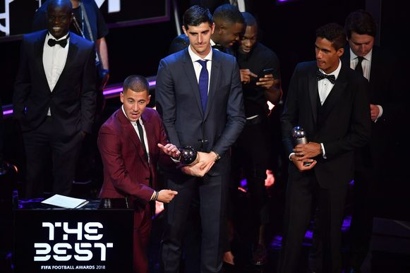 Hazard vorig jaar in september op de FIFA Football Awards met Kanté en Courtois.