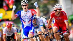 Ook Démare pakt ritje mee in Giro na val Ackermann in slotkilometer