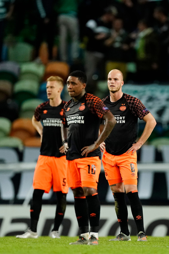 Timo Baumgartl, Steven Bergwijn en Jorrit Hendrix verloren donderdagavond met ruime cijfers met PSV in Lissabon.