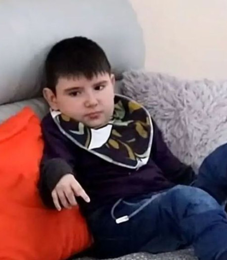 Nolan (10) eet besmette hamburger en sterft acht jaar later: 'Einde van jarenlange kwelling'