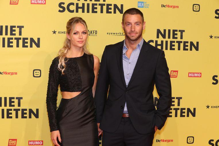 Louis Talpe en zijn vrouw Tiffany op de première van 'Niet schieten'