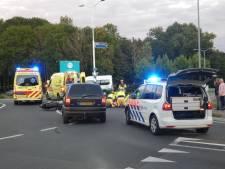 Motorrijder en bijrijder gewond bij botsing met auto in Wijchen