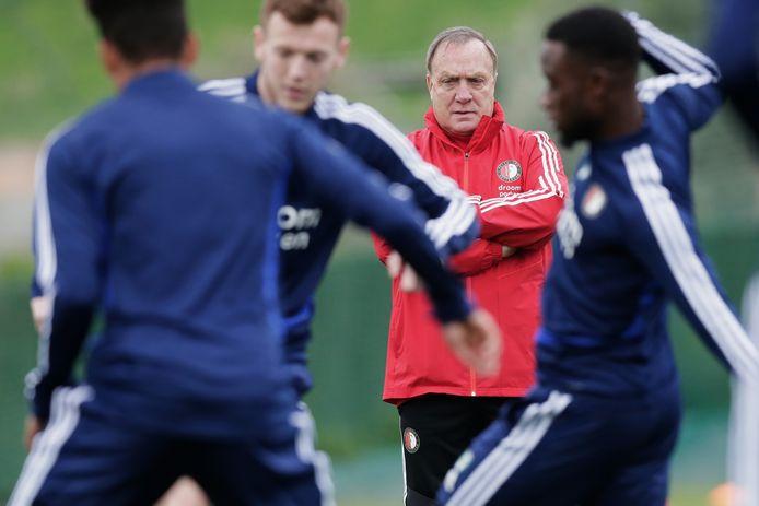Dick Advocaat tijdens de training van Feyenoord in Marbella.