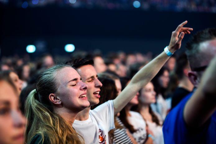 Duizenden jongeren vieren het geloof tijdens de 45e editie van de EO-Jongerendag.