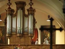 Leon van den Brand bespeelt Van Dijck-orgel in Handel