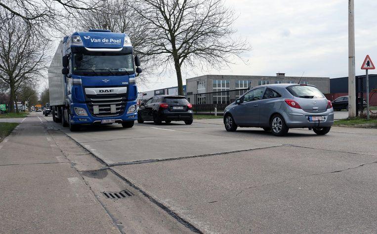De wegen rond industriegebied Wolfstee en Klein Gent zijn verouderd.