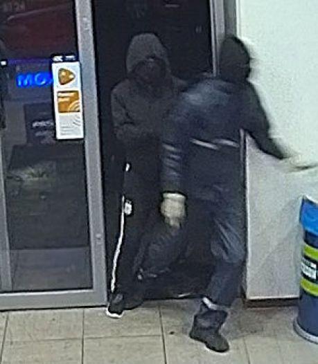 Schokkende beelden bedreiging caissière Jan Linders Wijchen, mogelijk zelfde daders als poging overval Jumbo Nijmegen