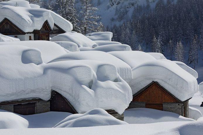 Archiefbeeld van een sneeuwdump in Bosco Gurin.