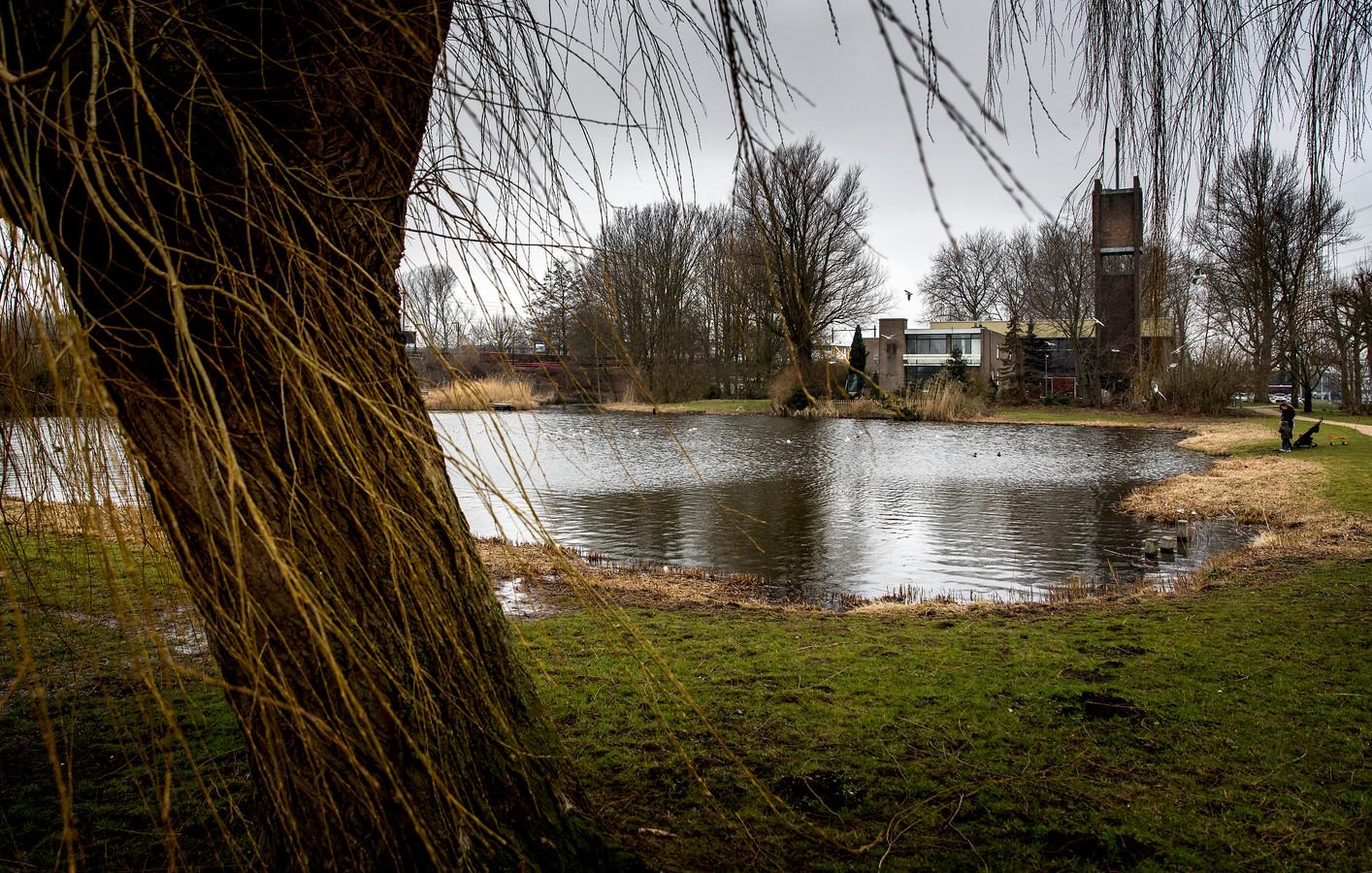 Een vijver in de wijk Kogerveld in Zaandam. In 1992 is daar het lichaam van Milica van Doorn gevonden.