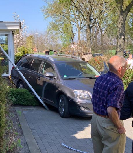 Drie auto's betrokken bij ongeluk in Den Ham