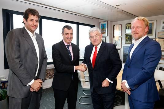 Van links naar rechts: Charles Ovajio, Javier Guilen, burgemeester Jan van Zanen en Martijn van Hulsteijn