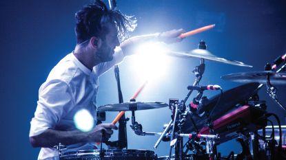 Claudio Arduini van Oscar & the Wolf geeft gratis drumlessen tijdens Drum Clinic De Woeker