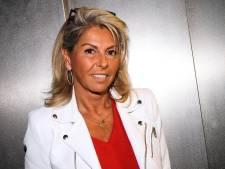 Caroline d'Affaire Conclue accro à la chirurgie esthétique? Julien balance