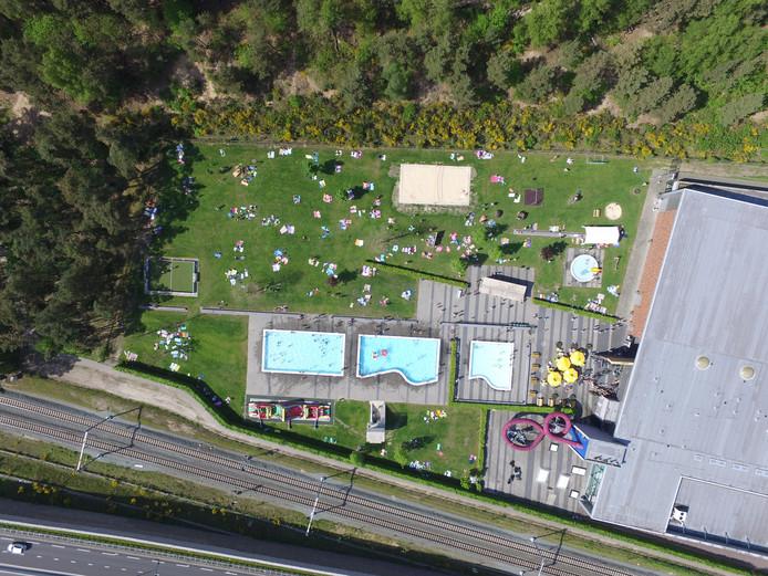 Lokaal Hellendoorn stelt dat bij sportzorgcomplex Het Ravijn nog voldoende ruimte is voor de geplande nieuwbouw van de christelijke scholengemeenschap Reggesteyn.