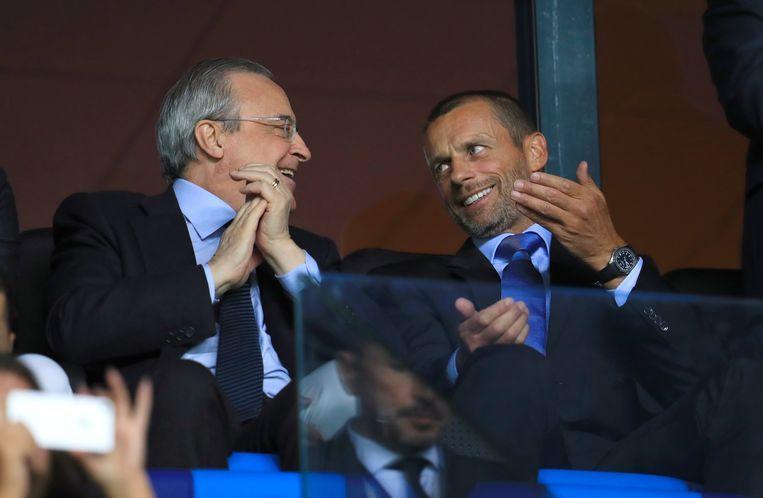 Real Madrid-voorzitter Florentino Pérez in gesprek met UEFA-voorzitter Aleksandar Ceferin.