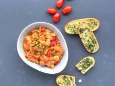 Wat Eten We Vandaag: Kalkoen-stroganoff met peterseliecrostini