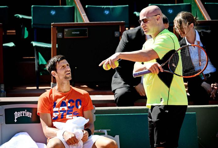 Novak Djokovic liet zich tussen mei 2017 en maart 2018 bijstaan door Andre Agassi.