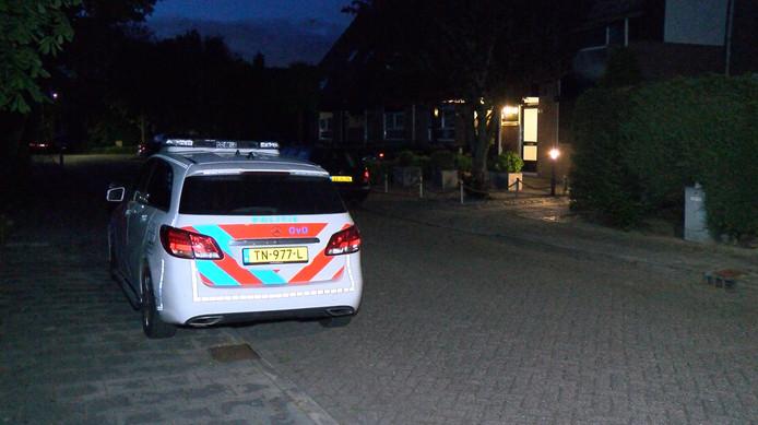 De woning in Grijpskerke waar drie gemaskerde mannen toesloegen.