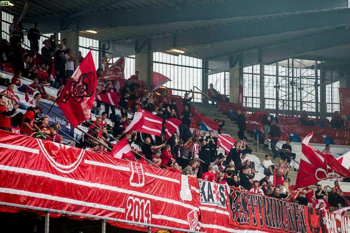 Fans van Aalborg hielden zich niet goed aan de coronaregels tijdens de Deense bekerfinale.