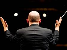 Zoektocht naar dé maestro van Alblasserdam: 'Dirigeren meer dan stokkie zwaaien'