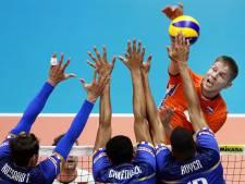 Volleyballers Oranje oefenen in Borne voor OKT