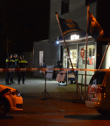 Drie mannen overvallen tankstation in Lelystad