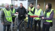 Fietsersbond trakteert fietsers op pralines en applaus