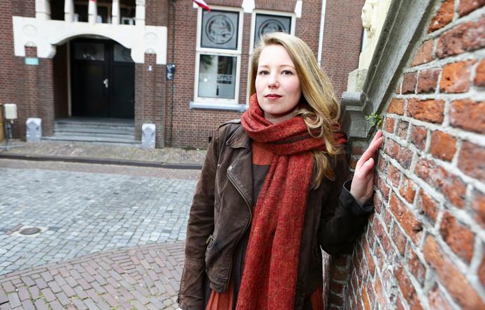Rianne Oosterom schreef het boeken Moffenmeiden.