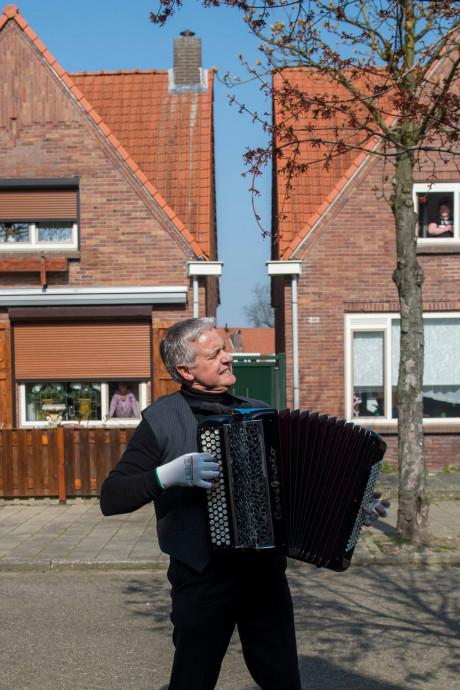 Voor elkaar: Met muziek Eindhovenaren op afstand samenbrengen