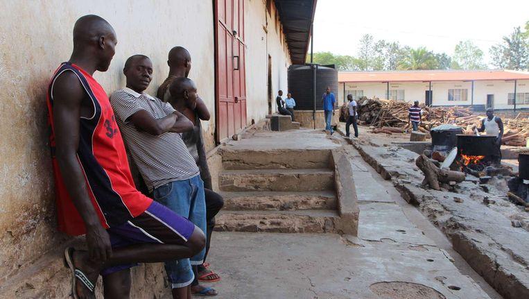 Het Gikondo Transit Center kreeg in de Rwadese hoofdstad Kigali. De Rwandese regering kreeg onlangs veel kritiek van Human Rights Watch omdat zij het centrum zou gebruiken om 'ongewensten' zoals bedelaars, alcoholisten en prostituees in op te sluiten. De regering ontkent dat. Beeld afp