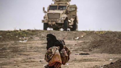 Honderden IS-strijders geven zich over in Oost-Syrië, maar gevechten gaan voort