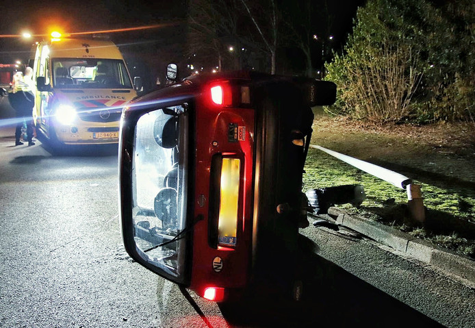 Bestuurder gewond bij ongeluk Bergen op Zoom