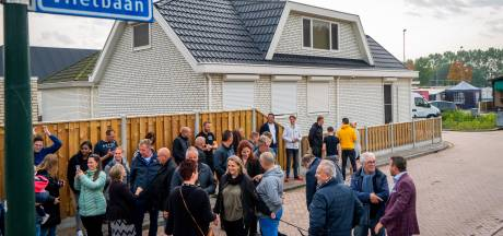 Alblasserdams woonwagenkamp is na veertig jaar eindelijk af. Of nou ja, bijna dan