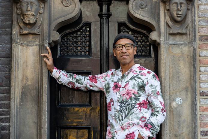 Frank Ong-Alok, programmeur en mede-initiatiefnemer van Jazz in het Kasteel in het Vordense Hackfort.