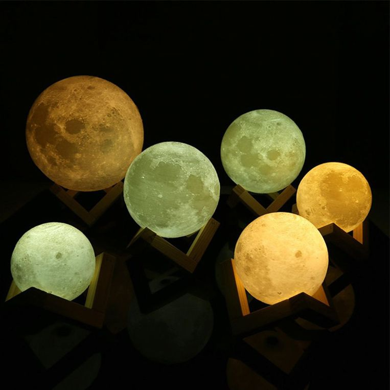 3D Moon Lamp, 62,95 euro.