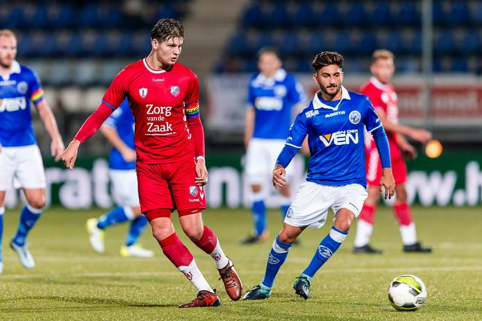 Maarten Peijnenburg (links) speelt komend seizoen bij FC Dordrecht.