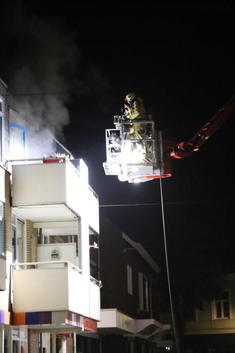 Toevallig aanwezige René Holthaus redt buurvrouw uit brandend appartement