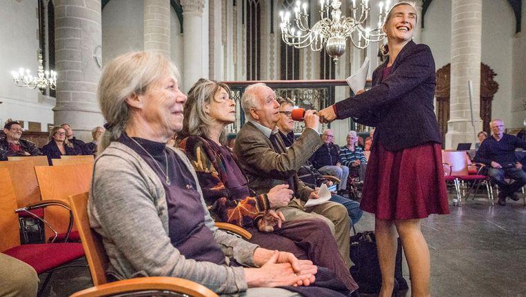 In de Grote Kerk in Weesp waren inwoners uitgenodigd om mee te praten over de toekomst van hun gemeente Beeld Dingena Mol