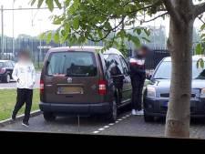 Onrust onder buren azc in Harderwijk na steekincident: 'Ze staan hier ook altijd te blowen en dealen'