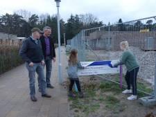 Kleinkinderen bedenken naam voor  nieuw woongebouw Sonnevanck in Harderwijk