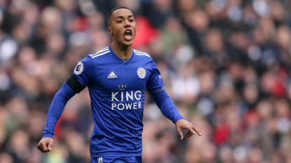 "VIDEO. Youri Tielemans pakt Engeland in met eerste assist: ""Briljant vermomd"""