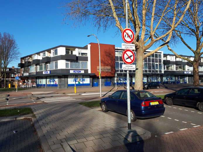 De gemeente Zwijndrecht heeft een samenscholingsverbod afgekondigd bij de Kapitein Horsmanflat en de Action in Zwijndrecht