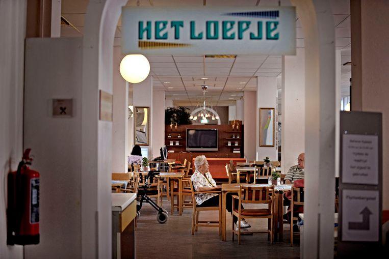 In verpleeg- en verzorginstelling Loevestein in Den Haag hebben zo'n veertig dementerende ouderen een tijd lang onder slechte omstandigheden gewoond (Raymond Rutting / de Volksrkant) Beeld raymond rutting / de volkskrant
