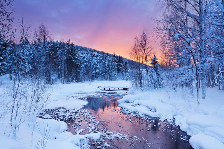 Zonsopgang in Levi, een van de grootste skigebieden in Lapland.
