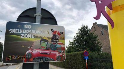 Nieuw verkeersproject met Zeppe & Zikki in schoolomgevingen opgestart