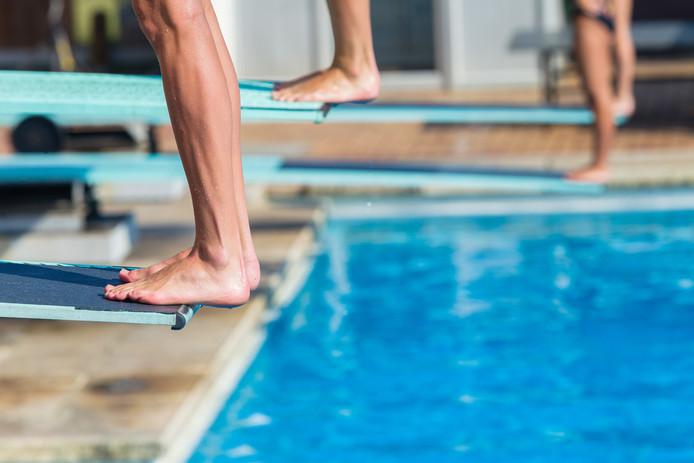 In steden waar maar één zwembad is, lopen inwoners het risico dat er straks geen zwembad overblijft, waarschuwt G40-voorzitter Depla.
